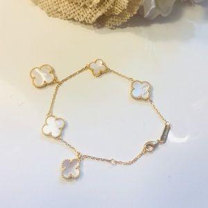 Jewelry - 18KT Gold Alhambra Clover Van VCA Pearl Bracelet